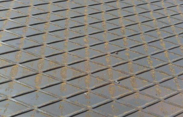 Лист рифленый ромб 3 мм 1250х3500 ГОСТ 8568-77